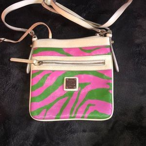Like New Dooney & Bourke Crossbody!